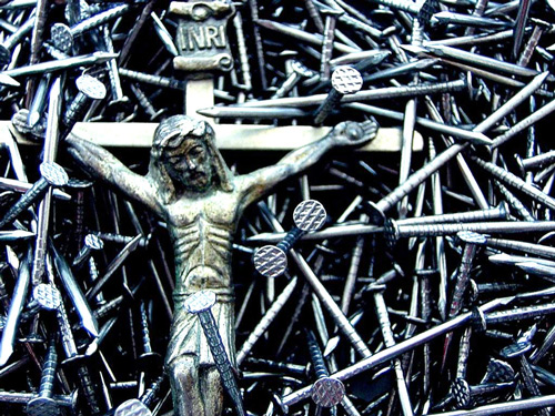 statue of jesus in nails